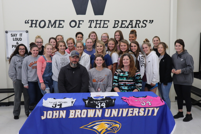 Stephens Chooses Golden Eagles